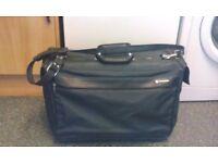 Samsonite Eureka Wheeled Garment Bag