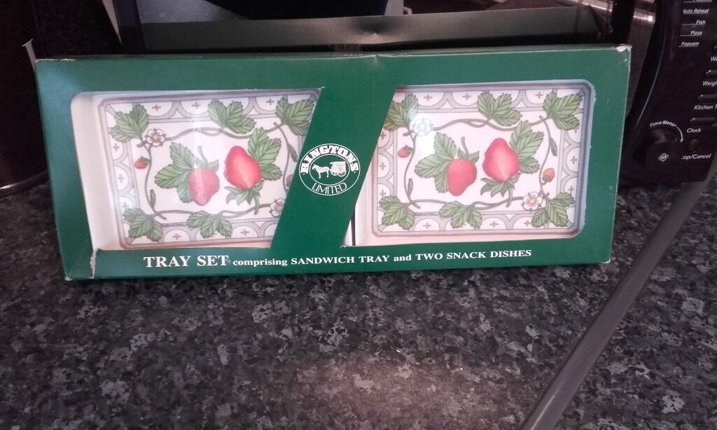 Lovely ringtons tray setin Gateshead, Tyne and WearGumtree - This is new in box ringtons tray set comprising of sandwich tray and two biscuit tests