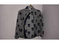 Lovely boys non-hooded zipper fleece with skulls, size 5/6