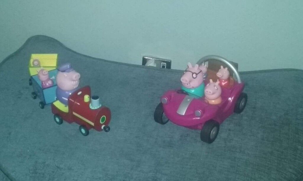Peppa Pig car and train with characters