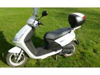 Peugeot Vivacity Scooter mint runner