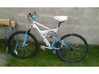 Barracuda mono shock bike