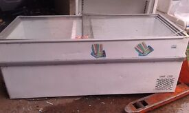 REFURBISHED !!! KOMMERCIAL FREEZER DISPLAY MODEL 200 CM