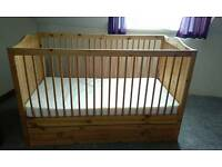 Thuka Baby/Child's cotbed/Junior bed in pine