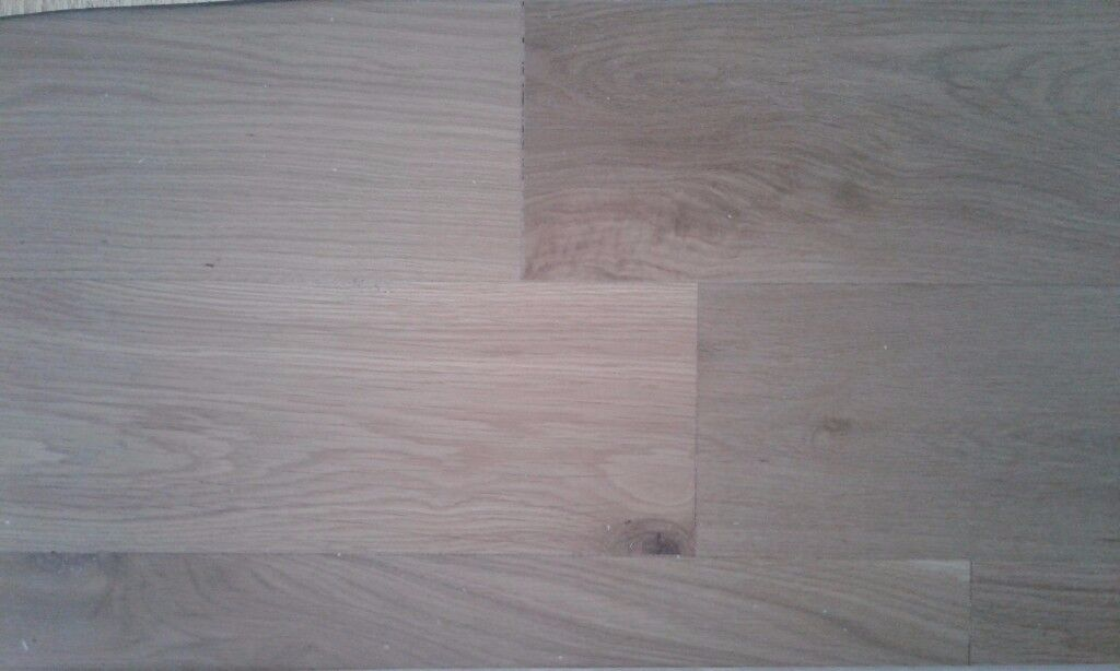 Quality Oak Enginnereed Flooring Approx 5sqm And Underlay Gold Sonic