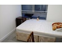 Beautiful double room available with en-suite