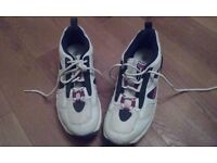 Cricket shoes mens size 7.