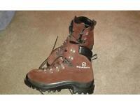 Woman's Scarpa 4 Season Walking Boots for sale (Size 7)