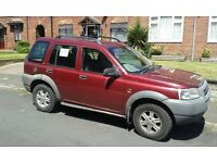 Land Rover Freelander TD4 - New tyres. new battery, MOT Oct 2017, drives OK and 40+ to the gallon.