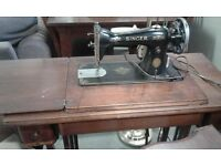 LOVELY OLD SINGER SEWING MACHINE IN STAND LOVELY WORKING ORDER £85.00