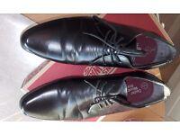 Mens shoes, black Cedar Wood lace up. worn twice, sixe 8,bargain.