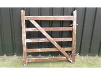 STRONG HEACY DUTY WOOD GATE GARDEN OR FIELD GATE SUIT 4 FOOT OPENING