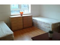 Twin Size Room based in E1 for two friends or a couple - £210