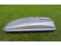 Roof Box in good condition with locking key