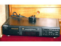Sony MiniDisc Deck MDS-JE440 complete with: Remote; Manual; 6 discs.