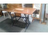 Bespoke solid oak top table with original cast iron vintage singer sewing machine base £120.00