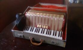 Hohner 120 piano accordion nice Condition