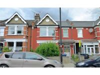 Bounds Green N11. Large, Light & Modern 4 Bed Furnished House with Garden near Tube & Amenities