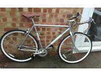 Brand new mens tradtional looking fixie bike racer.