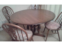 Dining Table with folding leaves and 4 Chairs