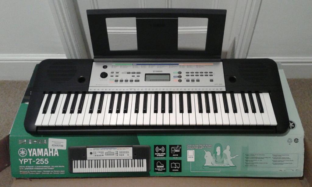 yamaha ypt 255 keyboard piano and stand in surbiton. Black Bedroom Furniture Sets. Home Design Ideas