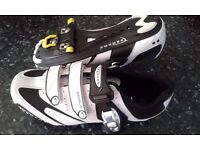 Road cycling shoes and cleats size 45
