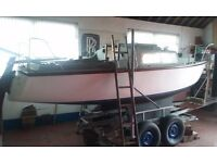 19' GRP SAILING CRUISER 3 BERTH BOAT 4HP OUTBOARD AND 4 WHEEL GALVANISED TRAILER