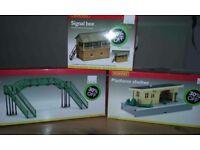 Hornby model railway building kits, boxed. Bridge, platform shelter, signal box.