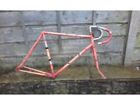 Road bike frame - Carlton raleigh good for commuter fixed gear wheel fixie