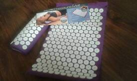 Bed & pillow nails pressure mat