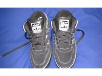 ADIDAS TRAINERS men's ( UK SIZE 9.5 ) in excellent condition