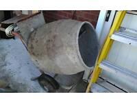 Mixer cement concrete bricks