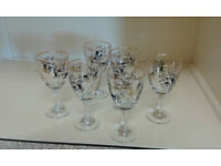1950's retro sherry glasses, set of 6. Lovely black and gold detail