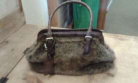 Gabor faux fur and leather handbag, gorgeous and soft. This really is an exceptional handbag