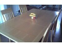 *DINNING ROOM MATCHING SET. EXTENDING TABLE AND CHAIRS.2 UNITS AND SMALL TABLE*