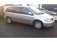 chrysler grand voyager limited 2.5 crdi for parts engine ,gearbox ,leather interior , bumpers.lights