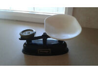 Prestige kitchen scales with imperial set of weights