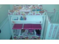 Baby changing unit. Very good condition