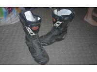 motorbike/motorcross boots size 9 £15