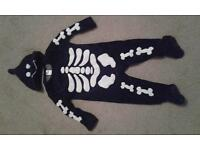 Skelton Halloween baby grow 9-12 months