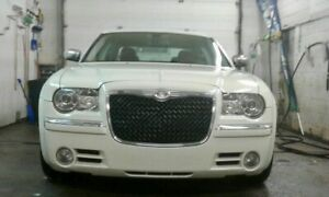 2010 CHRYSLER 300 luxury edition