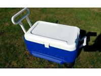 IGLOO Cool Roller 70 Coolbox for sale