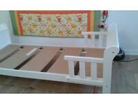TODDLER BED FOR SALE (140CMX70CM)