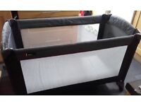 Travel cot for baby/toddler with basinette