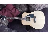 Yamaha F310 acoustic guitar excellent condition