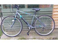 mens hybrid bike like new bargain