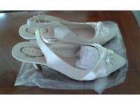 Wedding Accessories Package:Size7/40 Shoes, clutch bag and fascinator in Ivory Satin