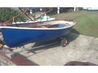 "10'6"" CLASSIC GRP DINGHY ROWING BOAT WITH WOODEN TRIM, OARS ROLLOCKS AND LAUNCHING TRAILER £400"