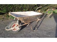 Builders Wheelbarrow With Pneumatic Tyre