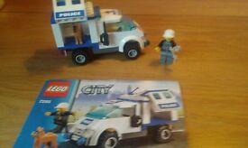 Lego City Police Van Dog and Dog handler Police man.